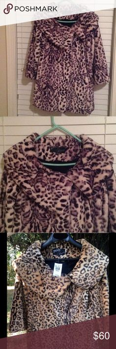 SUPER SOFT Leopard Print Faux Fur Overcoat Super Soft Faux Fur Stylish lined coat form Oxford and Regent, once you wear it you'll never want to take it off! Oxford and Regent Jackets & Coats Pea Coats Faux Fur, Oxford, Coats, Stylish, Best Deals, Womens Fashion, How To Wear, Jackets, Closet