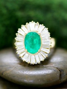 ONE-OF-A-KIND: Emerald and Baguette Diamond Halo Cocktail <Prong ...