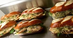 Double Moricette ! #sandwich #freshfood #lunch #déjeuner #pain #bread #chicken #proteine #eatclean #paris9 #lafayette #bonneadresse #yummy #happy #restaurant #cheese #lmp #foodstagram