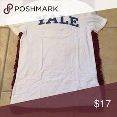 Yale University Tee NWOT Yale Tee. Very lightweight. Yale University Shirts Tees - Short Sleeve