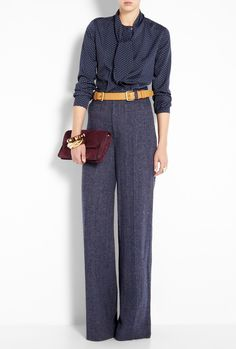 Fall Look for womens real estate agents: This is a fashionable look for the office. The natural waist and wide leg pant makes this outfit. Outfit by Marc by Marc Jacobs. (www.carteeimage.com)