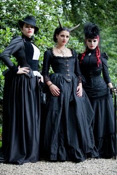 Want to make something very like that middle dress!