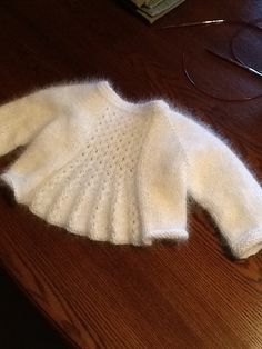 Ravelry: Project Gallery for Marian Shrug pattern by Taiga Hilliard Designs