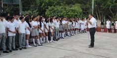 Continúa la entrega de mochilas con útiles a estudiantes de Puerto Vallarta