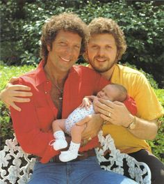 Tom Jones with son Mark Woodward and his grandson. Mark became his mgr in 1986 and with his wife Donna helped revive his career after a 15 yr lag.