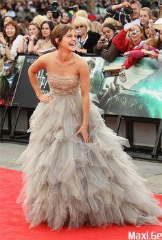 love emma watson and love her dress!