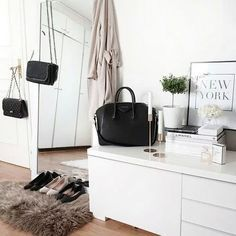 interior room home house decor decoration on We Heart It Home Bedroom, Bedroom Decor, Bedrooms, Bedroom Ideas, Dream Apartment, Home And Deco, My New Room, House Rooms, Home Decor Inspiration