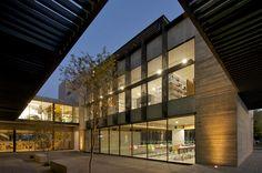 Galeria de Centro de Recursos para Ensino e Pequisa (CRAI) / 3Arquitectura - 3