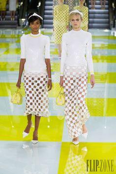 Louis Vuitton Spring-summer 2013 - Ready-to-Wear - http://www.flip-zone.net/fashion/ready-to-wear/fashion-houses-42/louis-vuitton-3121 - ©PixelFormula