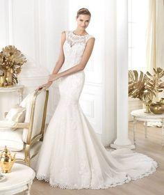 Vestido de noiva com decote ilusão e corte sereia