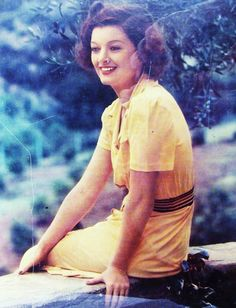 myrna loy, so pretty! Golden Age Of Hollywood, Vintage Hollywood, Hollywood Glamour, Hollywood Stars, Classic Hollywood, Thin Man Movies, Old Movies, Mae West, Actors & Actresses