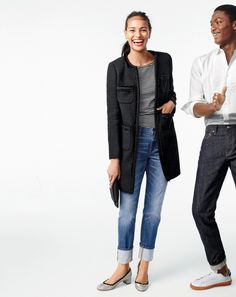 Crew (Holiday) style hack: The well-cuffed jean. One leg at a time. Make a long cuff until it hits right at or right above your ankle bone. Show off cute, glittery shoes. Fashion Mode, Denim Fashion, Look Fashion, Fashion 101, Cute Fall Outfits, Fall Winter Outfits, Autumn Winter Fashion, J Crew Style, My Style