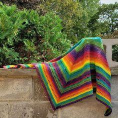 Simply Pink Newborn Hat • Oombawka Design Crochet Hexagon Crochet Pattern, Crochet Blanket Edging, Crochet Shell Stitch, Vintage Crochet Patterns, Crochet Lace Edging, Single Crochet Stitch, Crochet Wraps, Crochet Edgings, Blanket Yarn