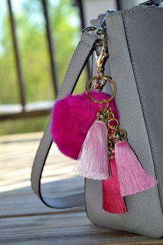 8.99$  Watch here - http://vixgy.justgood.pw/vig/item.php?t=1wrix4729161 - Hot Pink Fur Pom Pom Keychain - Luxury Fur Ball Ideal For Handbags, 8.99$