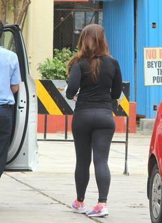 Photos: Kareena Kapoor Khan flaunts hot bod in skin tight gym wear