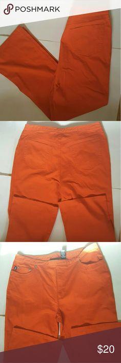Express Express pants inseam 31.5.  33 inche waet 10.5 rises  size 13/14 Express Pants Boot Cut & Flare