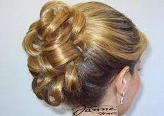 Resultado de imagem para penteados de cabelo mae da noiva
