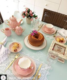 Tea Party Table, Dinner Table, Decoration Table, Table Centerpieces, Brunch Mesa, Bistro Food, Pastel Kitchen, Welcome Table, Table Manners