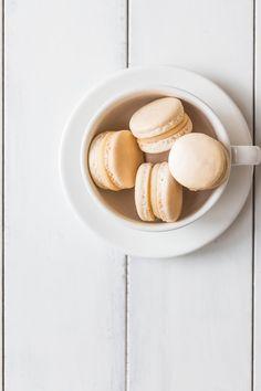 macarons with vanilla and white chocolate ganache