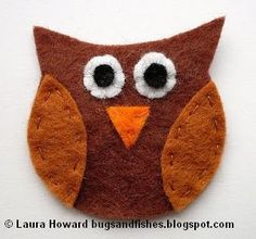After showing you the sneak peek at this cute little guy yesterday I just had to sit down in my tea break this afternoon and write up the tu. Felt Owls, Felt Animals, Peppa E George, Small Gifts For Friends, Felt Bookmark, Cute Stockings, Diy Cutting Board, Very Merry Christmas, Cute Owl