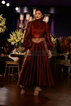 Manish Malhotra heavy ethnic collection inspired bythe silhouettes of royality at PCJ Delhi Couture Week 2013