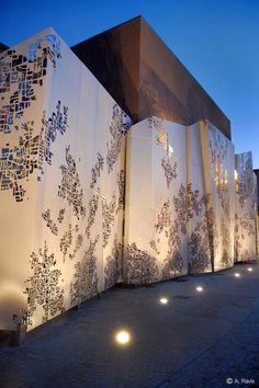 Maison des ChutesLavie, Marseille, 2012 - Damien Fluchaire https://www.pinterest.com/AnkAdesign/abstract-piece-of-tecture/