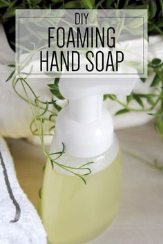 Ditch the toxins and make this natural foaming handsoap yourself! Bonus-- it smells amazing. {DIY Thieves Essential Oil Foaming Handsoap}