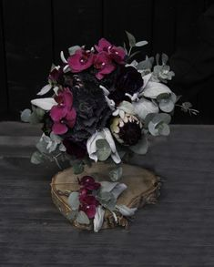 Häät Wedding Floral Wreath, Wreaths, Wedding, Home Decor, Valentines Day Weddings, Floral Crown, Decoration Home, Door Wreaths, Room Decor