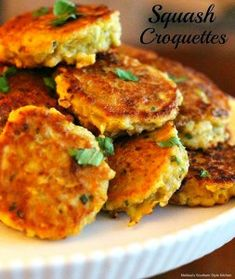 Summer squash shines in these oh-so-delicious Squash Croquettes. Fried until crispy and golden they're spectacular served as is or with a dipping sauce. Side Dish Recipes, Vegetable Recipes, Vegetarian Recipes, Cooking Recipes, Healthy Recipes, Cooking Games, Squash Croquettes, Squash Fritters, Salads