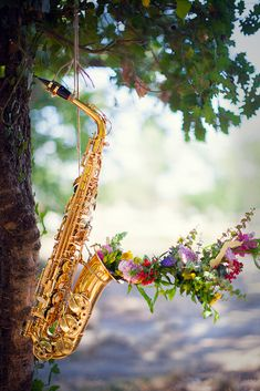Music Artwork, Art Music, Cool Artwork, Passion Music, Stylist Tattoos, Montage Photo, Beautiful Flower Arrangements, Music Pictures, Music Film