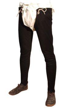 Beenlingen worden veel gedragen in Steffonia. Deze twee aparte broekspijpen worden over linnen ondergoed gedragen en zijn vastgemaakt aan een stoffen riem.