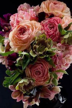 my favorite flowers. Beautiful Flower Arrangements, Pretty Flowers, Fresh Flowers, Floral Arrangements, Deco Floral, Arte Floral, Romantic Roses, Beautiful Roses, Floral Bouquets