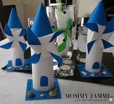 Λευκό και γαλάζιο, δύο παιδικές κατασκευές που έχουν άρωμα καλοκαιριού, θάλασσας και Ελληνικού νησιού! Υπέροχο αποτέλεσμα, τέλεια πρόταση για νηπιαγωγεία!