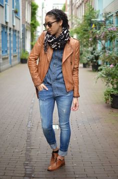 Brown moto jacket and oxfords with scarf Source by shoes outfit Brown Oxfords Outfit, Oxford Shoes Outfit Women's, Brogues Womens Outfit, Brogues Outfit, Women Oxford Shoes, Casual Outfits, Fashion Outfits, Womens Fashion, Fashion Fashion