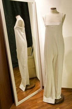 Tuta bianca Margiela size 44 € 130 per l'acquisto contattaci su info@petitnoir-vintage.it