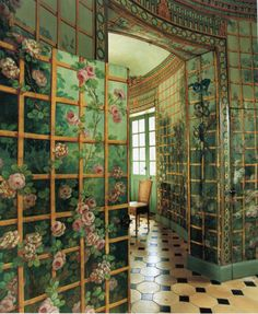 Gorgeous green and pink flower trellis deco room Interior Architecture, Interior And Exterior, Interior Decorating, Interior Design, Diy Decorating, Design Design, World Of Interiors, My New Room, My Dream Home