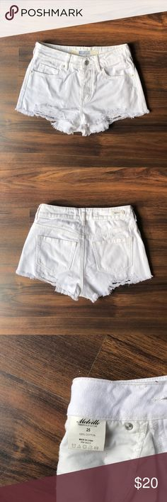 Brandy Melville Mid Rise Distressed Shorts This is a gently used item. Stored in a smoke-free, pet-free environment. Brandy Melville Shorts Jean Shorts