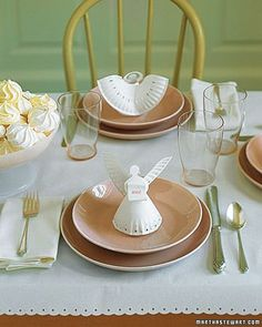 Make paper plate Christmas angels for centerpieces.