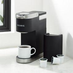 Keurig Black Mini Plus Pod Coffee Makers, Drip Coffee Maker, Coffee Brewer, Hot Coffee, Keurig Mini, Coffee Maker Reviews, Espresso Maker, House Smells, Black Decor