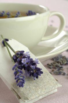 stress abbauen lavendeltee