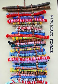 eco-friendly ideas for kids and grown-up Weaving Projects, Weaving Art, Art Projects, Yarn Crafts, Fabric Crafts, Diy Crafts, Art For Kids, Crafts For Kids, Arts And Crafts