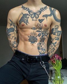 Cool Chest Tattoos, Chest Piece Tattoos, Cool Small Tattoos, Dope Tattoos, Tattoos For Guys, Back Piece Tattoo Men, Tatoos Men, Torso Tattoos, Body Art Tattoos