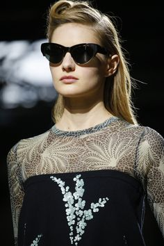 cdfdb06a9d85 Dries Van Noten Spring 2016 Ready-to-Wear Fashion Show Details Τάσεις Της  Μόδας