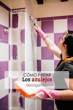 ¿Cómo pintan los azulejos? ¿Se pueden pintar los azulejos con relieve? ¿Qué tipo de pintura se utiliza para pintar azulejos? ¿Cuánto dura la pintura para azulejos? ¿Cuánto cuesta pintar azulejos? Home Decor, Painted Tiles, Foam Rollers, Light Colors, How To Paint, Decoration Home, Room Decor, Home Interior Design, Home Decoration