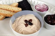 Taramosalata With Semolina Greek Meze, Greek Beauty, Group Meals, Greek Recipes, Bon Appetit, Good Food, Pudding, Eat, Cooking