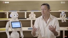 Rodolphe Gelin: Para crear buenos robots hay que centrarse en el bienestar de las personas y no en el de la industria   Mientras se hacen realidad los sueños del transhumanismo y la robótica en su vertiente más radical -aquella que imagina un mundo poblado por robots y humanos relacionándose en condiciones de igualdad o casi- tenemos que conformarnos con pequeños humanoides capaces de mantener el equilibrio mientras bailan al ritmo de Daft Punk o ejecutan a la perfección las coreografías de…