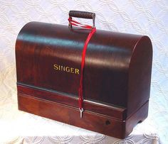 Singer 99's Handy-Dandy Lovely Wood Carrying Case | by SurrendrDorothy