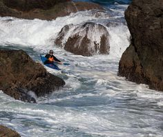 Sea #kayaking with @Reelwater - Richard Davis threads the needle near Point of the Arches, WA.  Playing amongst terrain with swell is…