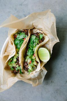 my darling lemon thyme: Black bean tacos with kiwifruit salsa