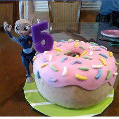 Zootopia Judy Hopps cake